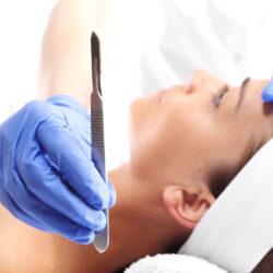 chirurgiczne usuwanie zmiany skornej na twarzy warszawa